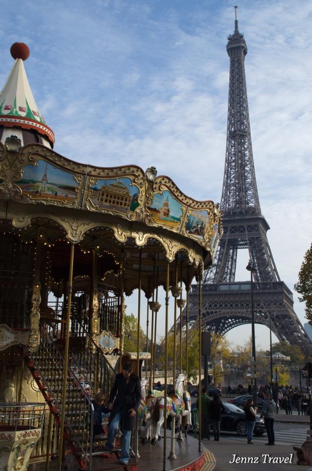 Carousel / Tour Eiffel   -   Nikon D5100 - ISO250 - f/10