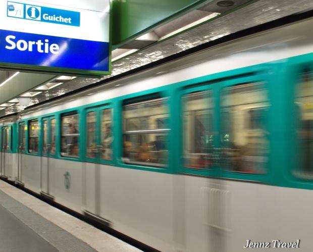 Métro parisien   -   NikonD5100 - ISO1250 - f/10