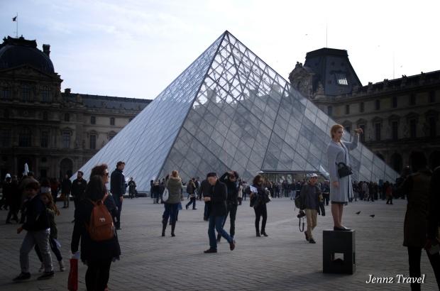 Pyramide du Louvre   -   Nikon D5100 - ISO400 - f/4,5