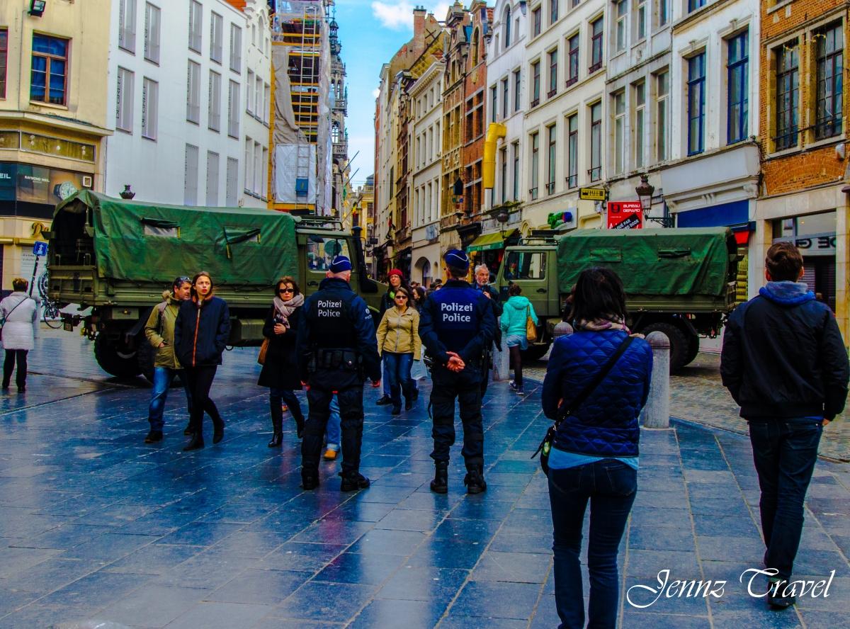 Surveillance police et armée à Bruxelles
