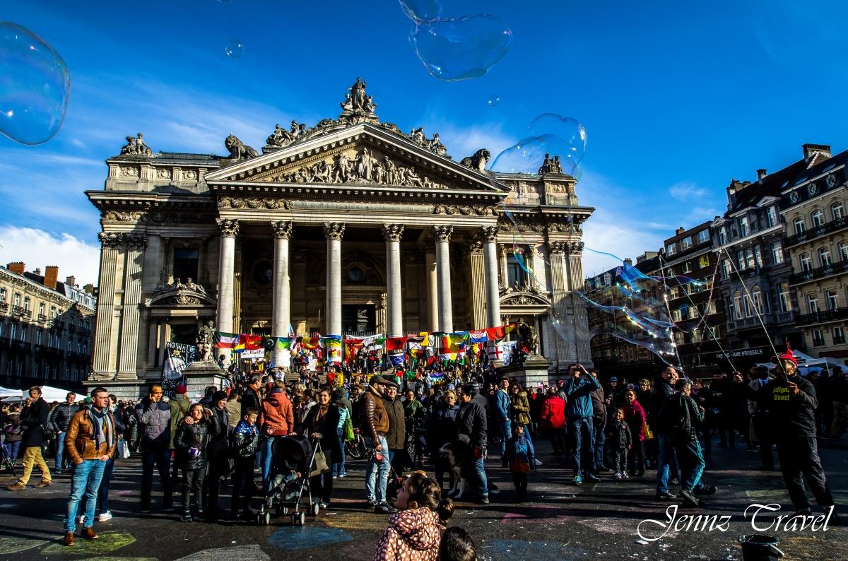 Place de la Bourse à Bruxelles après les attentats